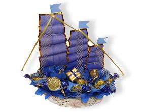 L002.107 Букет из конфет Корабль с сокровищами