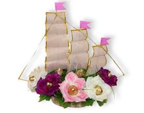 L002.115 Букет из конфет Цветочный корабль