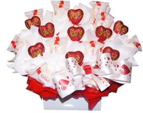 L002.25 Праздничный букет из конфет «14 февраля»